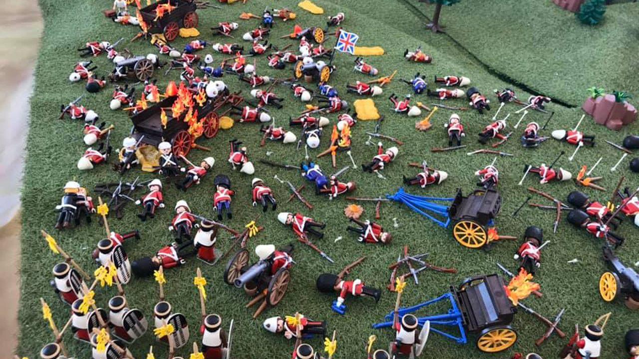 Exposición de Playmobil en Siero.El alcalde de Siero, junto a Feito y Joel García