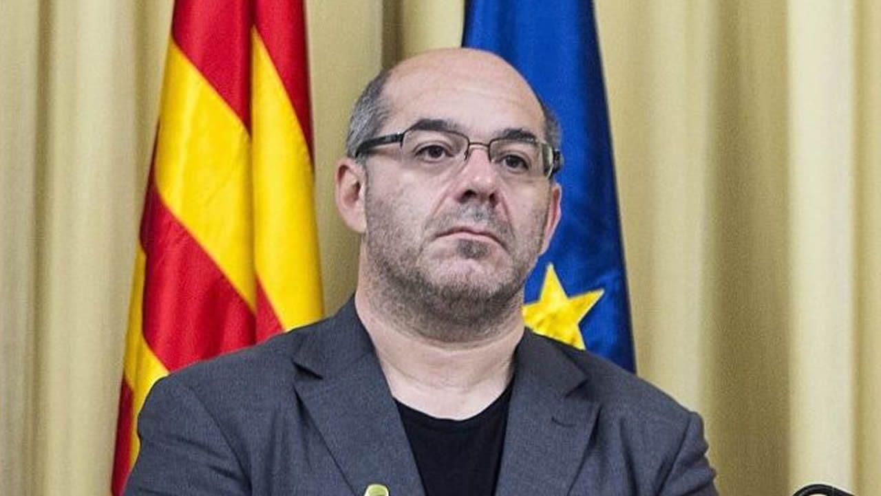 Lluís Guinó. Exmiembro de la Mesa del Parlamento. Desobediencia.