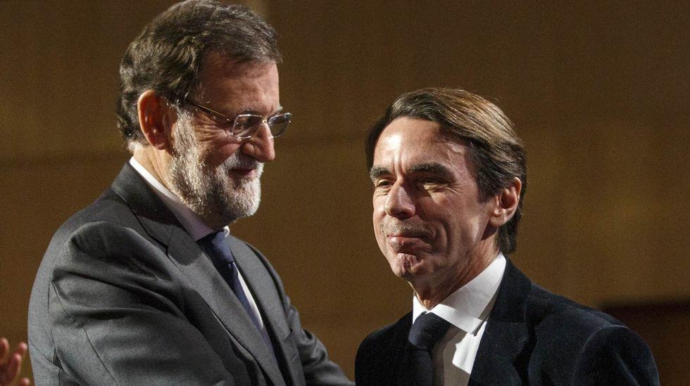 Aznar, un militante más.Mercedes Fernández