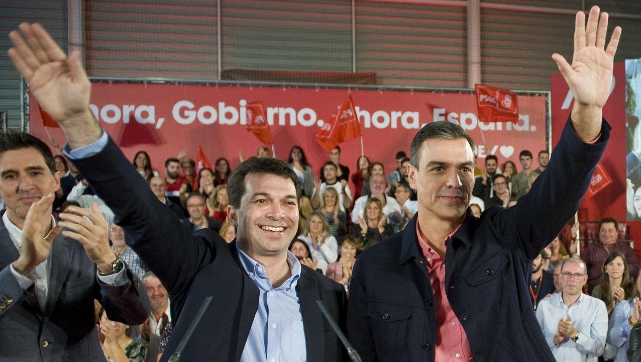 Gonzalo Caballero y Pedro Sánchez, en un mitin en A Coruña