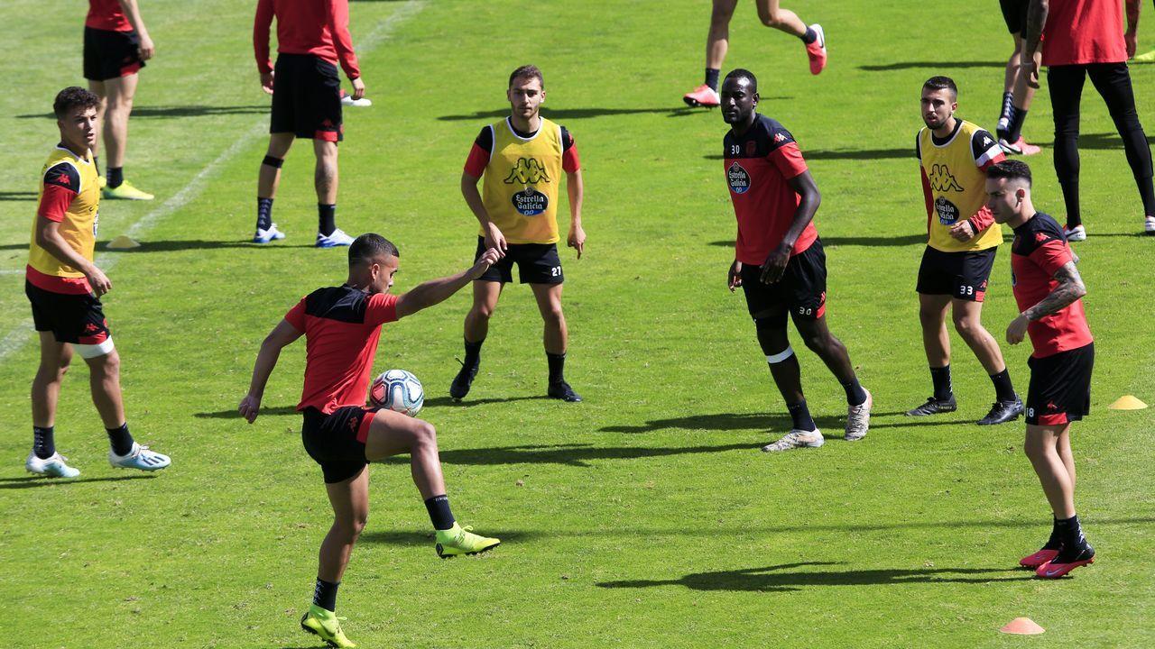 Jugadores del Lugo, durante el entrenamiento de esta mañana