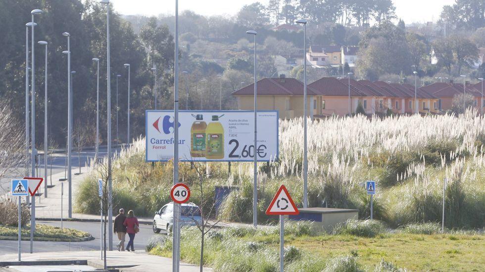 La Fundación Amancio Ortega entrega la escuela Amencer en Bembrive, Vigo.Parcela municipal de O Boial donde se plantea la construcción de una residencia de mayores, en foto de archivo