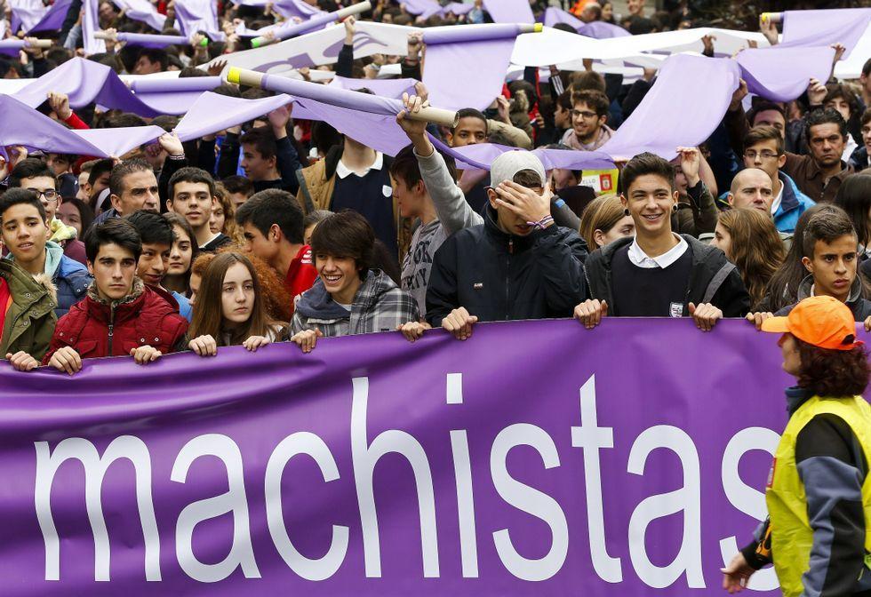 Estudiantes de colegios se manifestaron contra la violencia de género en Vigo en el 2015.