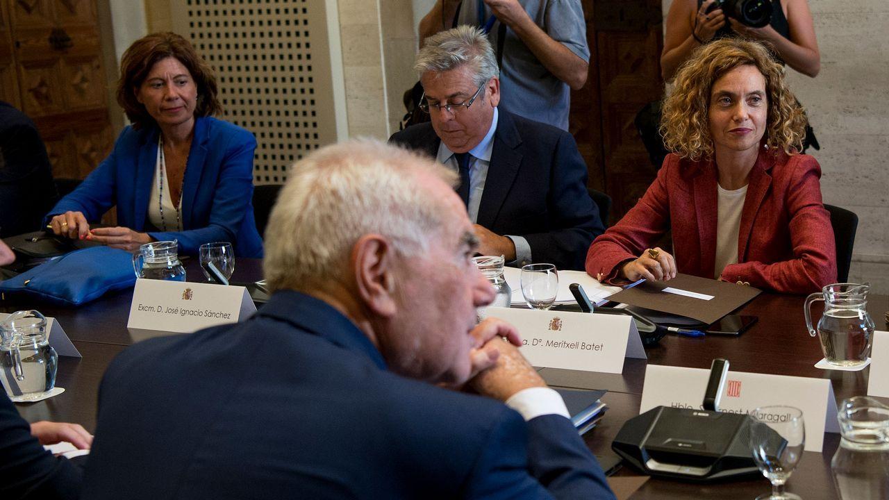 Maragall y Batet (enfrente) presidieron la primra reunión de la comisión bilateral desde el 2011