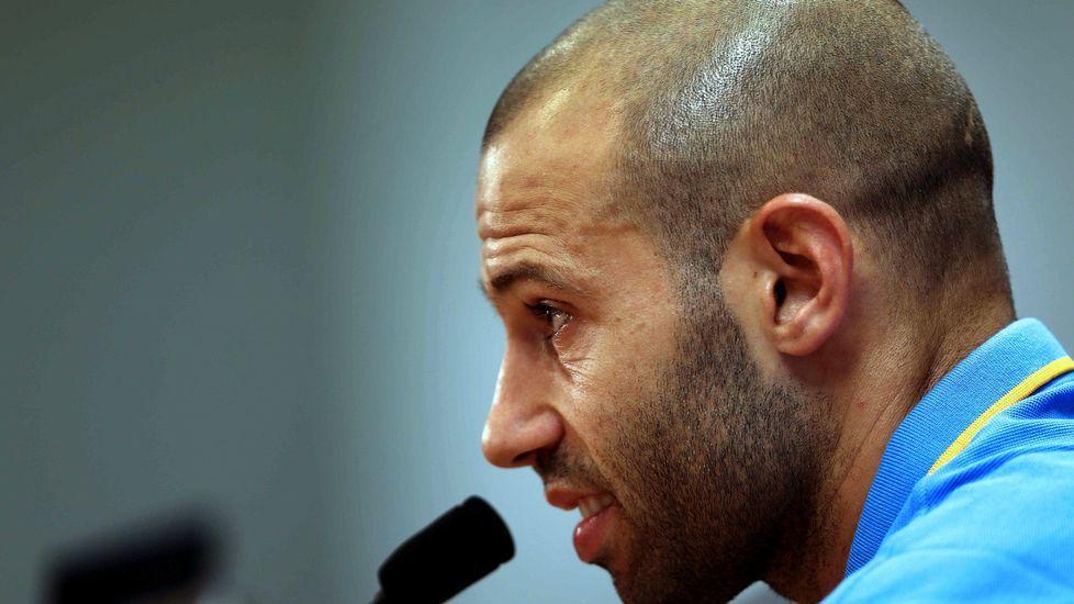 La Vuelta de la Supercopa, el reto del Barça.Víctor solo permite asumir riesgos a los hombres de ataque y Luis Alberto es el jugador del Dépor al que más balones roban.