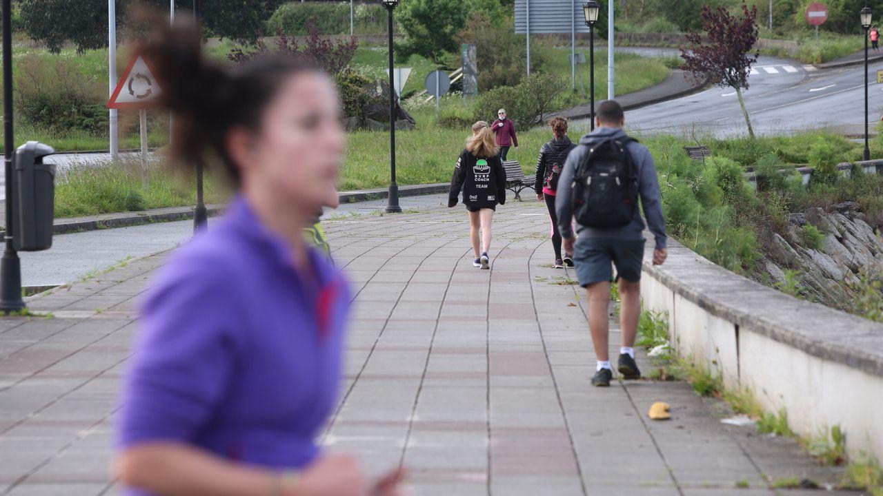 Gante haciendo deporte y caminando esta mañana por Ferrol