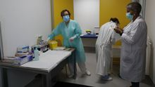 Este miércoles se realizaron 59 PCR en el Hospital da Mariña, en una imagen del pasado 7 de julio