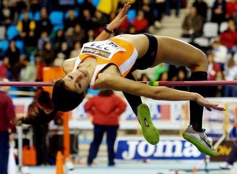 Saleta Fernández ocupa la primera posición en el ránking nacional con la marca de 1,70 metros