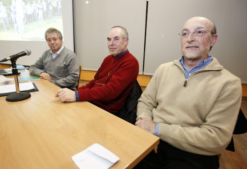 Domínguez Rial, Fernández Carrera y García Losada, en la asamblea del sábado pasado.