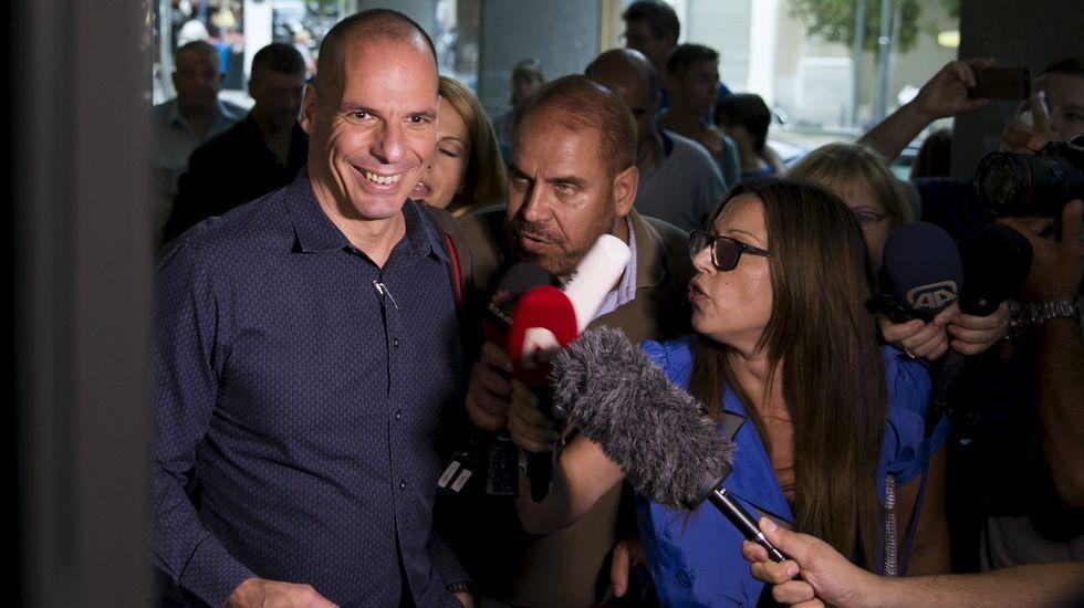 Los pensionistas griegos abarrotan los bancos