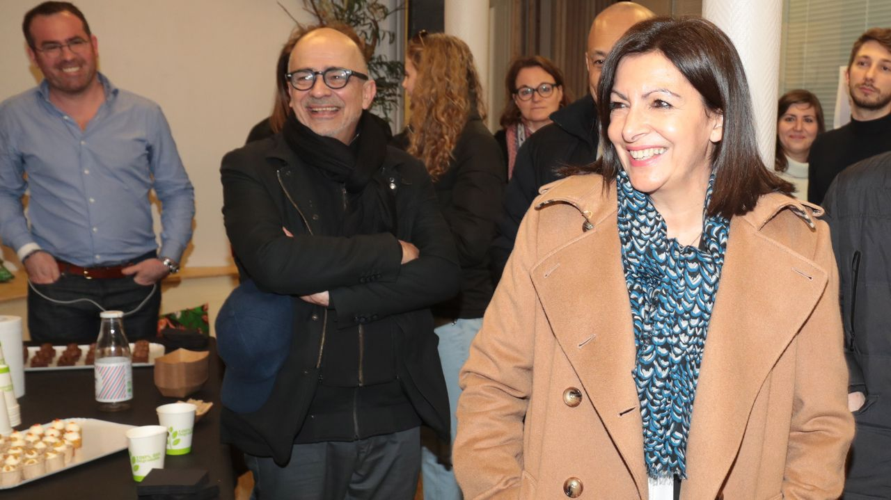 Anne Hidalgo, alcaldesa de París, se impondría a Dati por una amplia victoria, según las estimaciones