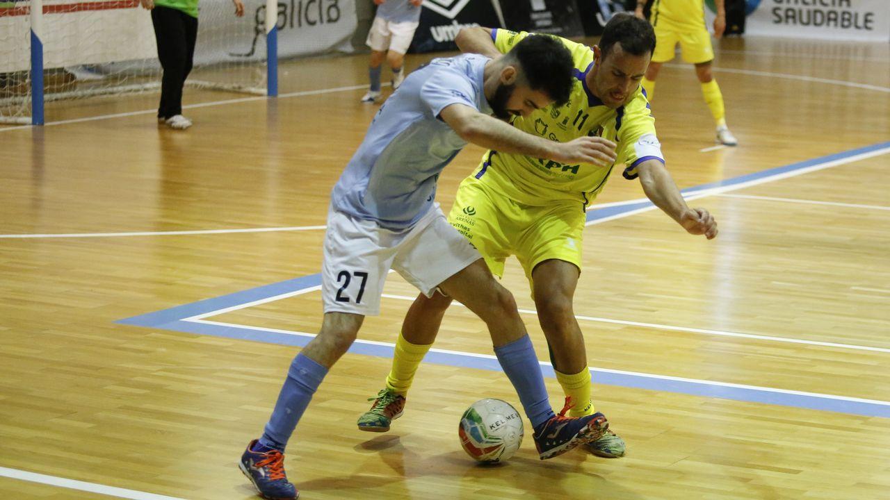 ¡Mira aquí las imágenes del partido de tercera entre el Boiro y el Paiosaco!.Didier Moreno jugó de mediocentro defensivo contra el Almería y en la segunda parte de Oviedo