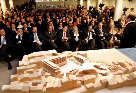 La presentación del proyecto en el Club Financiero contó en su día con amplio respaldo social y político.