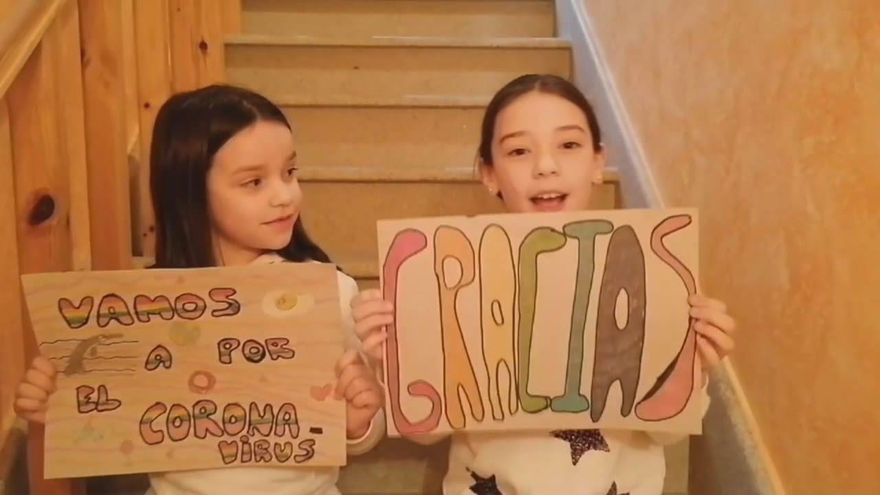 Niños compostelanos mandan mensajes de ánimo durante el confinamiento