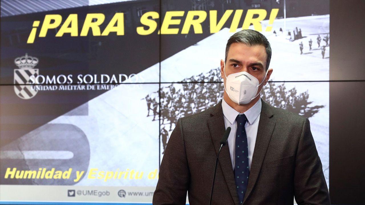 El presidente del Gobierno, Pedro Sánchez, durante la visita a la Unidad Militar de Emergencias (UME)