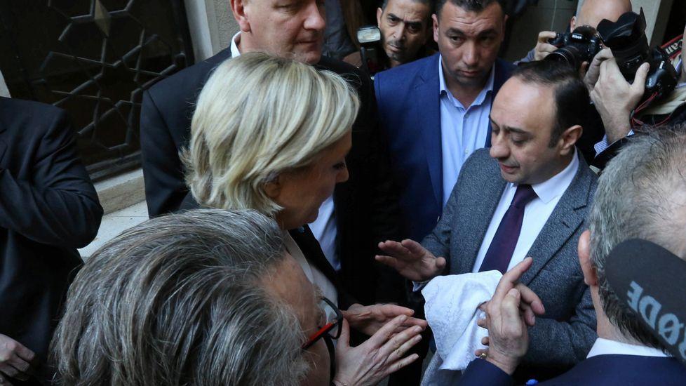 Le Pen rechaza el velo