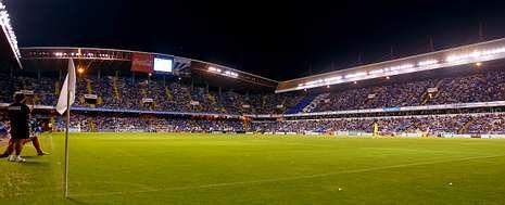 El Deportivo sostiene que la mitad de los focos instalados en el estadio municipal de Riazor no funcionaban.