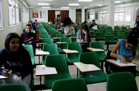 Platero y yo.Los alumnos, al comienzo del examen de lenguas extranjeras de ayer por la tarde.