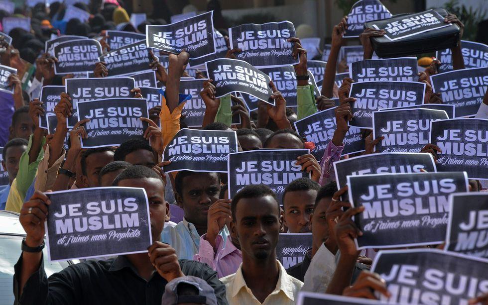 Atentado contra Occidente en Mali.Detalle de la manifestación de Mogadiscio.