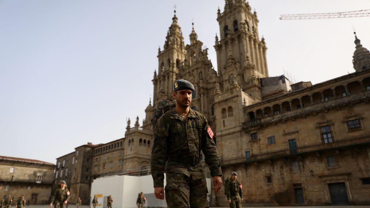 La Brilat se despliega en Santiago.Los Bombeiros, en una intervención del pasado diciembre en Pasarón