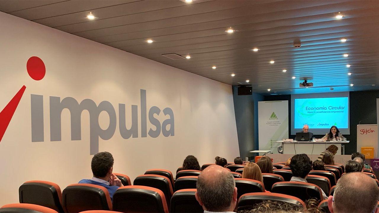 Momento de una conferencia sobre economía circular