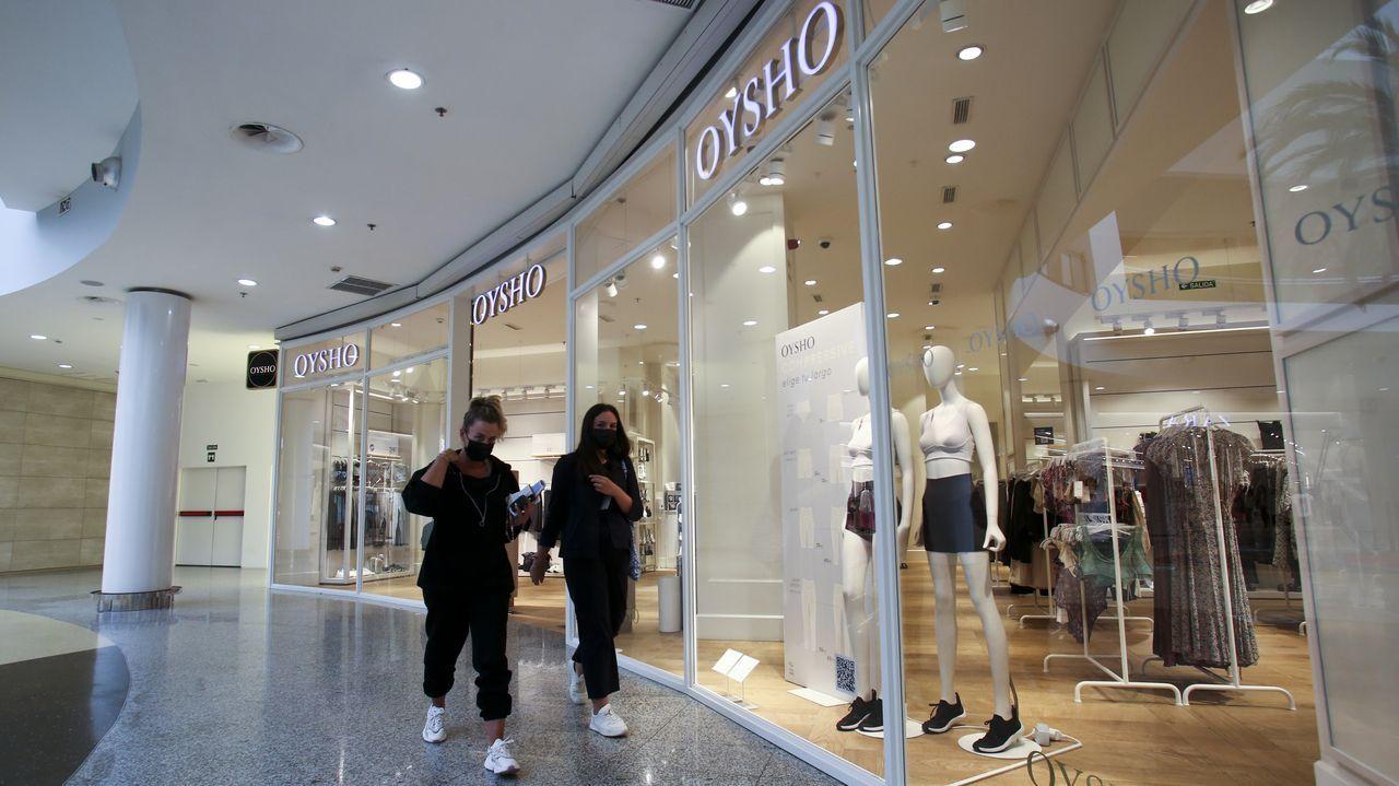 Oysho, la cadena de ropa interior de Inditex, tiene presencia en Odeón desde el año 2008, aunque antes ocupaba otro local más pequeño. Nueve personas integran su plantilla.