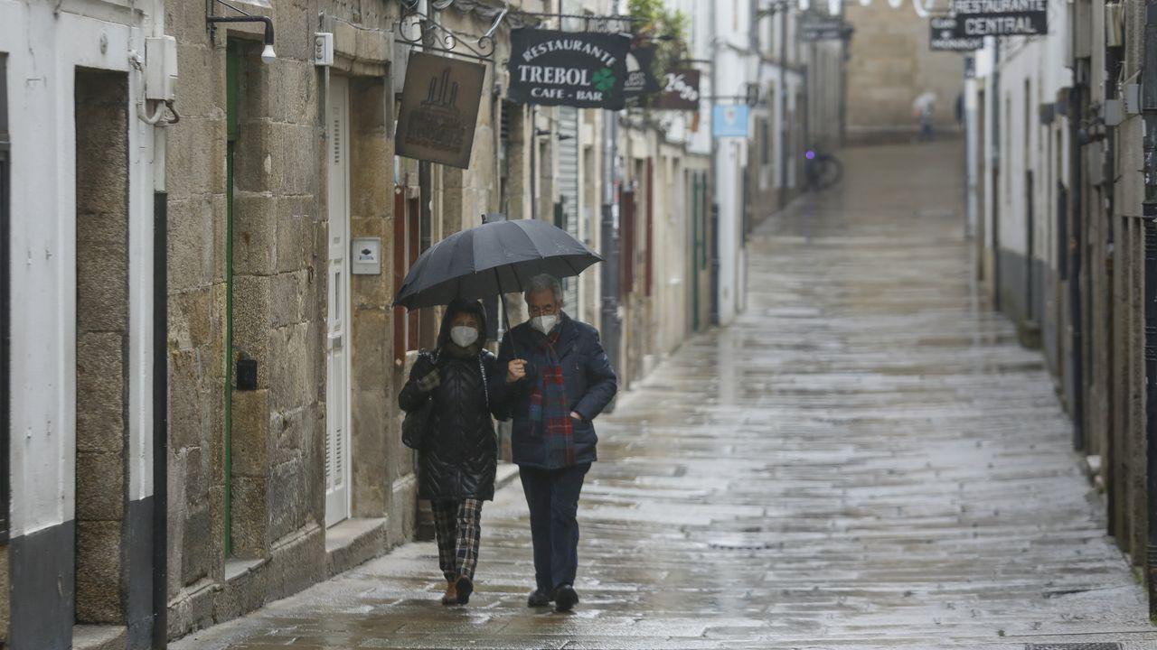 Lluvia en las calles de Santiago en una imagen de archivo