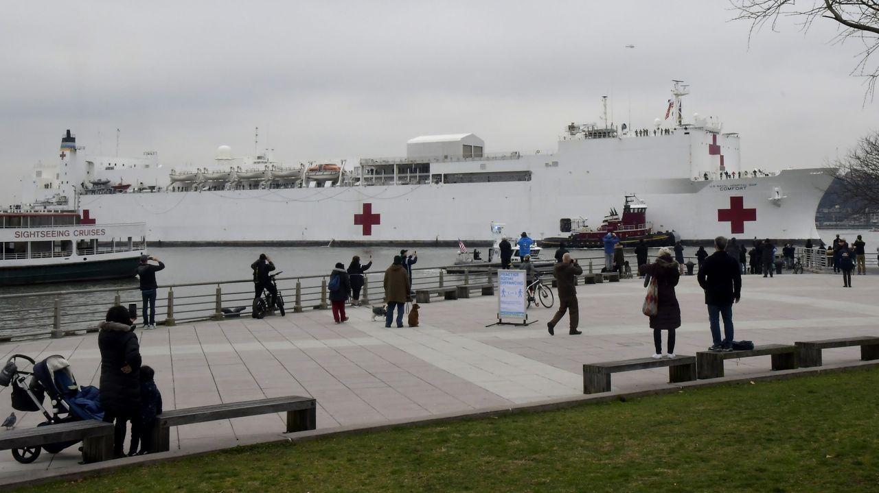La tripulación del buque hospital la conforman un total de 1.200 profesionales, entre ellos un millar de médicos
