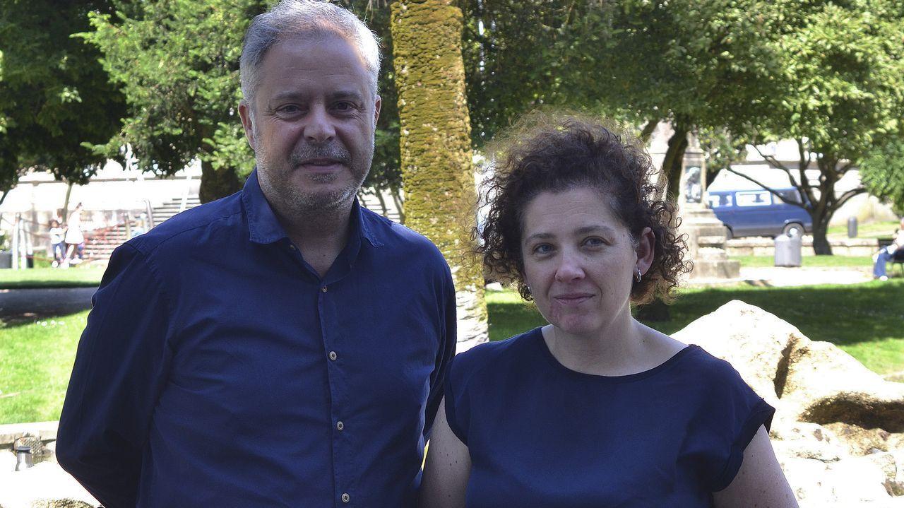 Carmela Silva vuelve a levantar el bastón de la Diputación