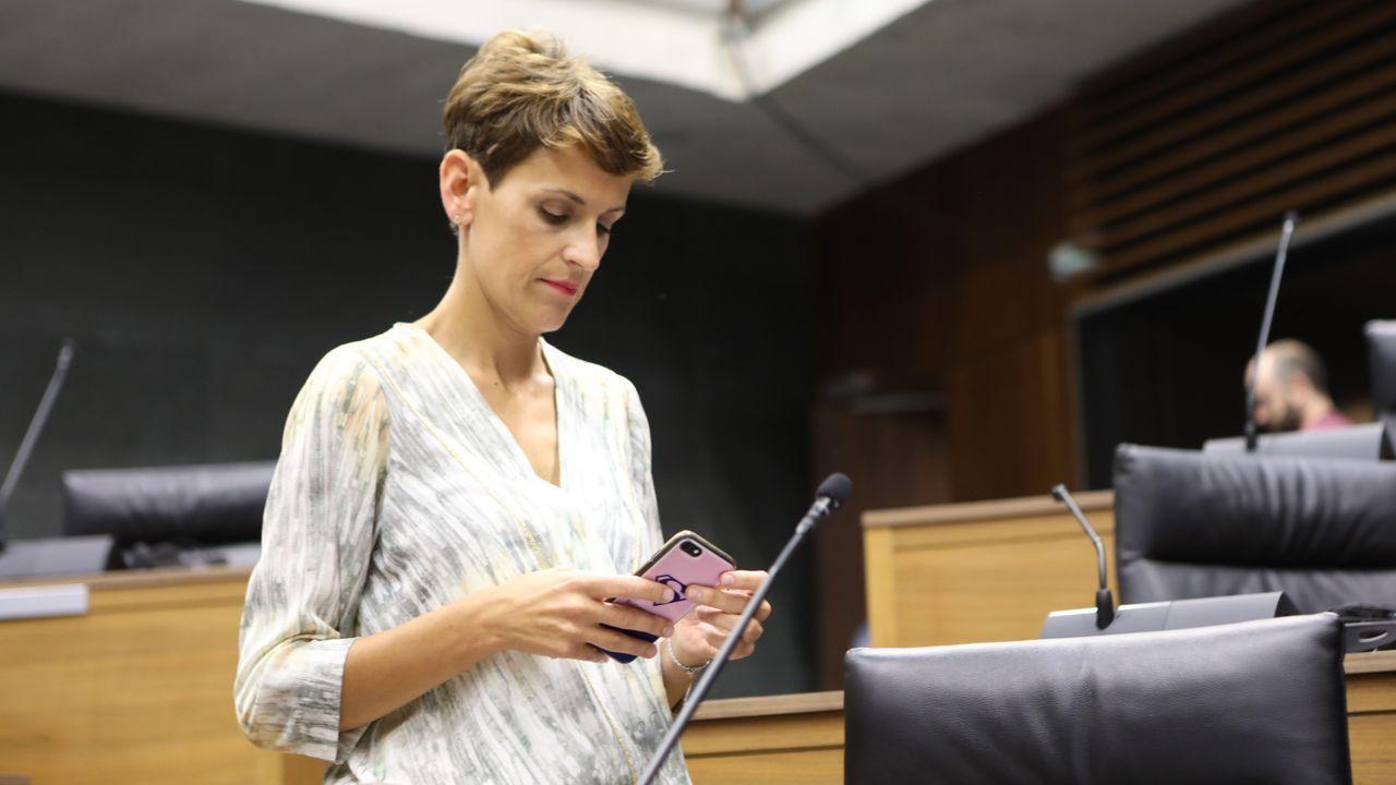 La candidata socialista a presidir la Comunidad Foral de Navarra, María Chivite, durante una de sus intervenciones en la primera jornada de la sesión de investidura