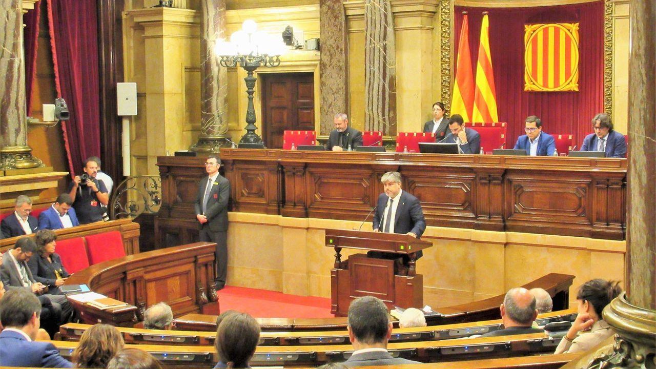 JxCat presentó el 3 de octubre del 2018 una propuesta de resolución para que el Parlamento catalán reprobara «la actuación del rey Felipe VI y en particular su posicionamiento contra las instituciones catalanas y sus representantes legítimos en su discurso del 3 de octubre del 2017»