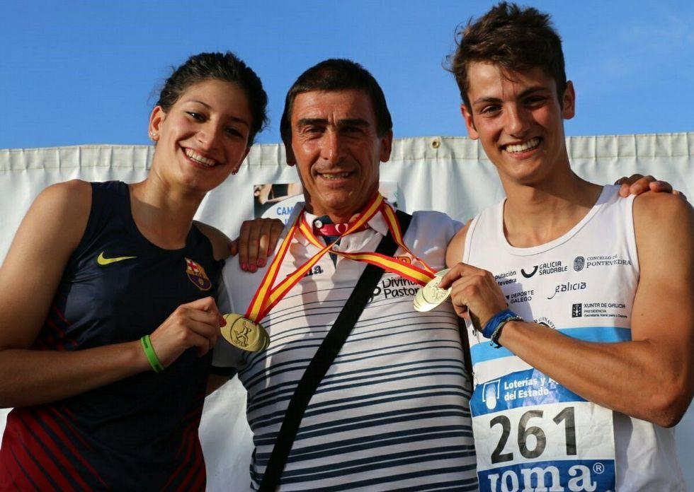 Saleta Fernández con su entrenador, Santi Ferrer -en el centro- y su compañero de entreno, Dani López