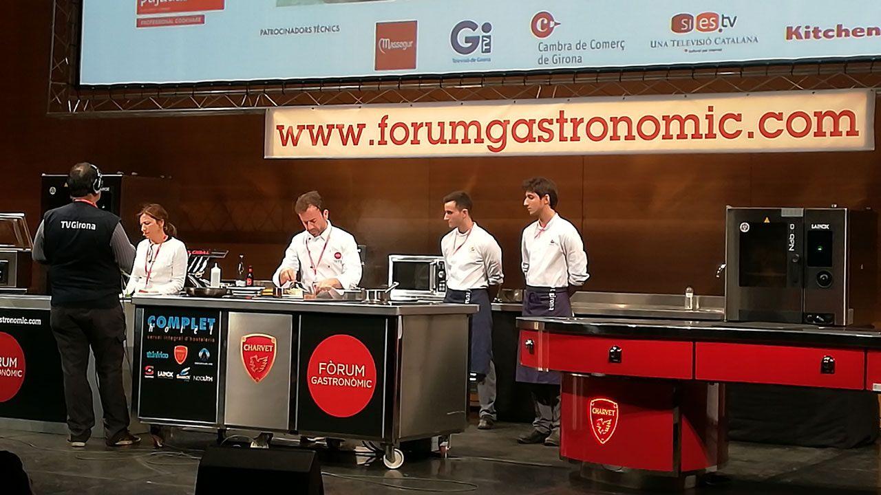 La cocina de Nacho y Esther Manzano brilla en el Forum Gastronónic.Lucía Freitas, en su restaurante A Tafona (Santiago)