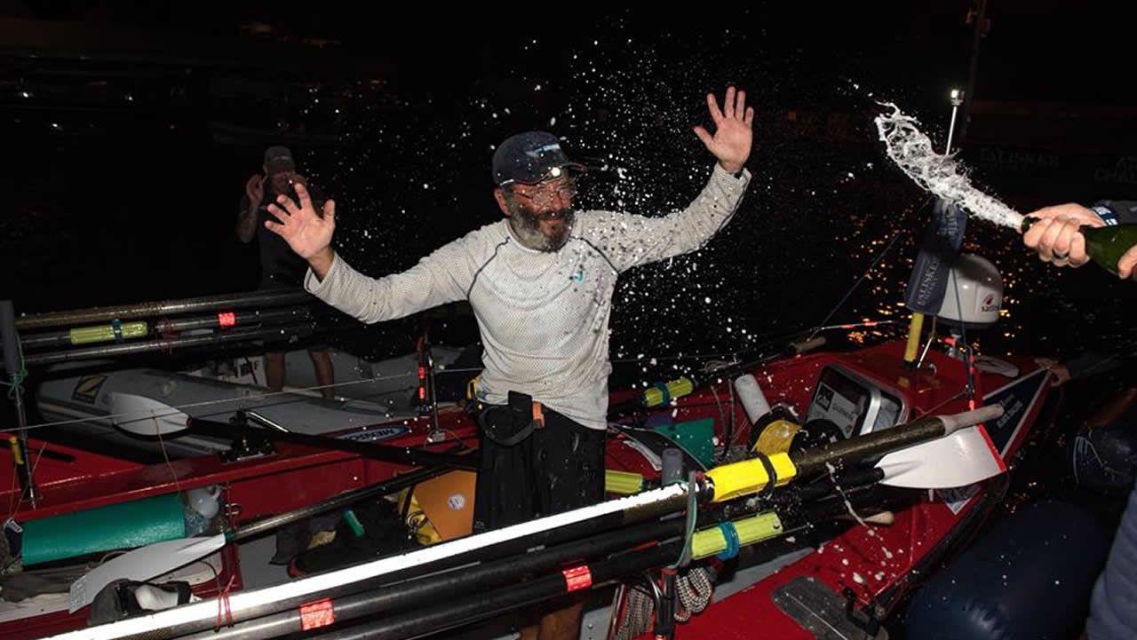 El gallego Jorge Pena completa su reto de cruzar el Atlántico a Remo