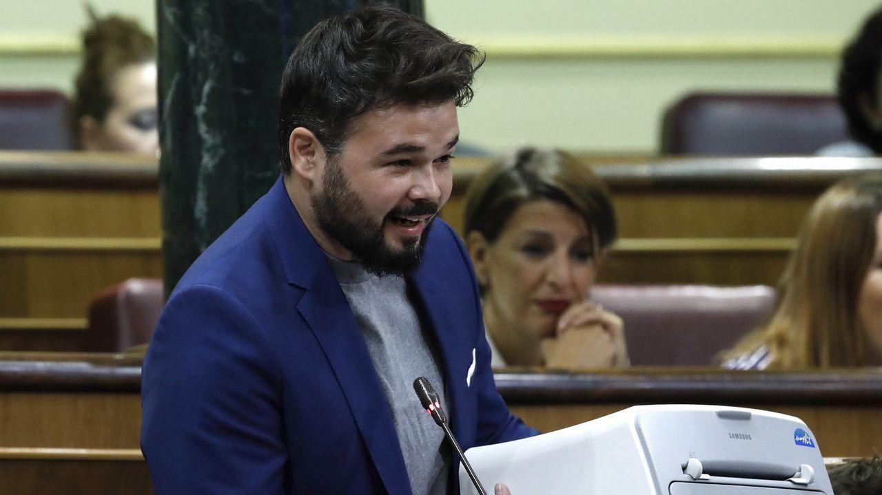 Rufián se lleva una impresora al Congreso y pide al Gobierno que «deje de perseguir» el referendo