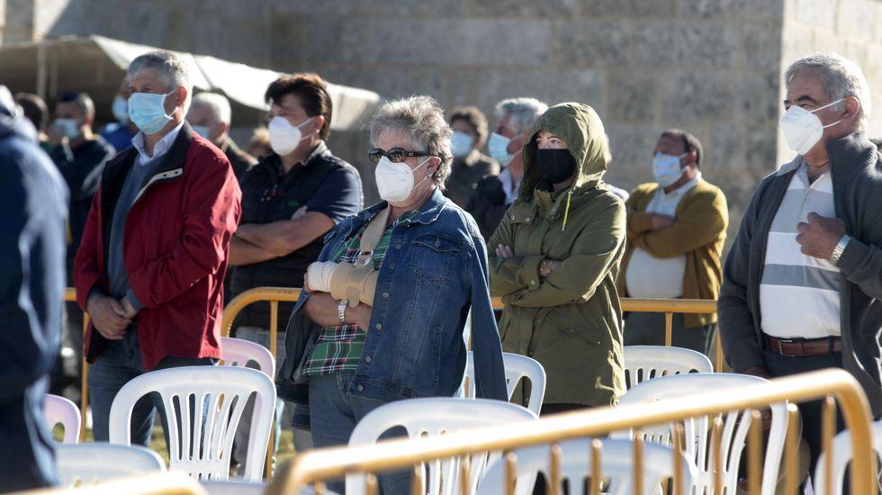 Todos los asistentes a la romería llevaban mascarilla