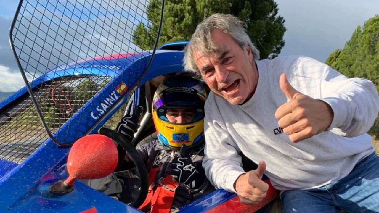 Superdeportivos en el Salón de Ginebra.Alonso y Carlos Sainz (padre)