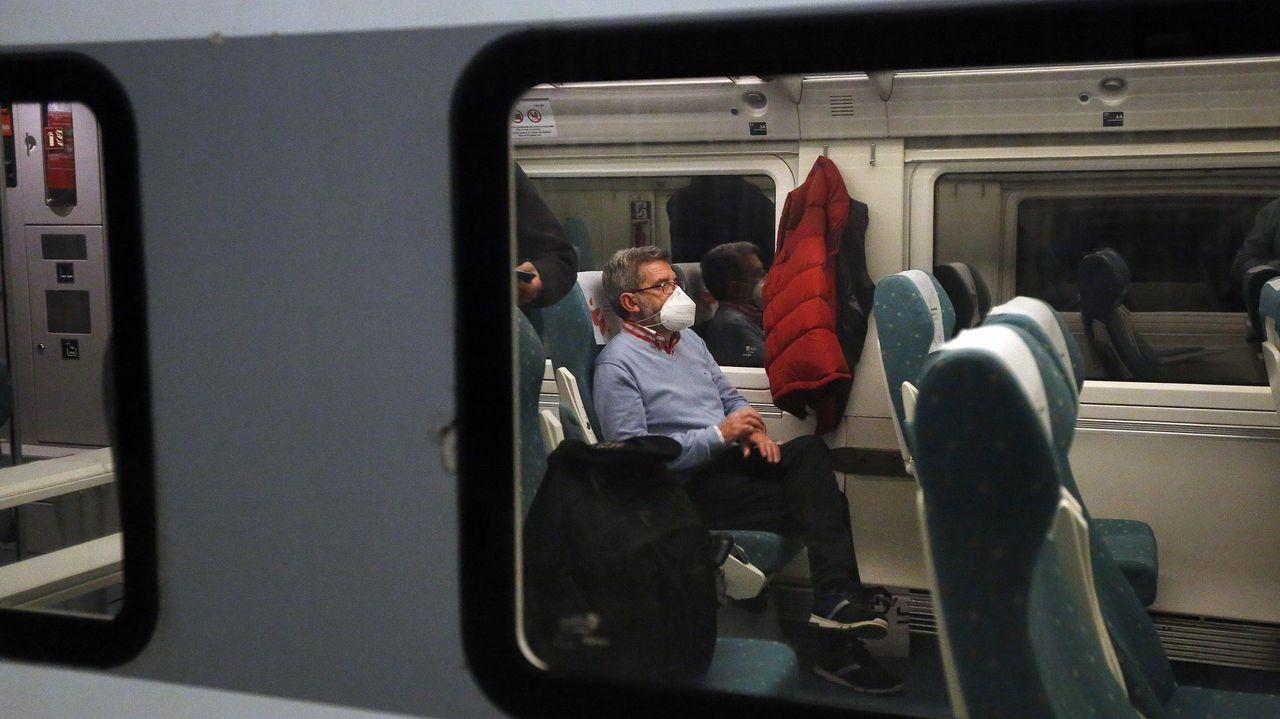 tren.Tren Alvia a Madrid, en la estación de Vilagarcía de Arousa a las seis de la mañana
