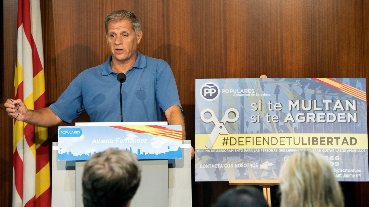 El líder del PP en Barcelona, Alberto Fernández, anunció ayer la creación de una oficina para asesorar y apoyar a los ciudadanos con lazos amarillos