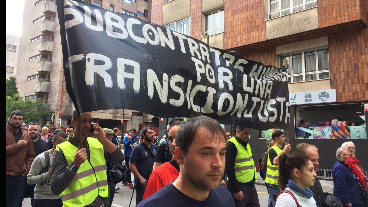 Marcha minera por las calles de Oviedo.La marcha de los trabajadores de Alcoa, a su llegada a Oviedo