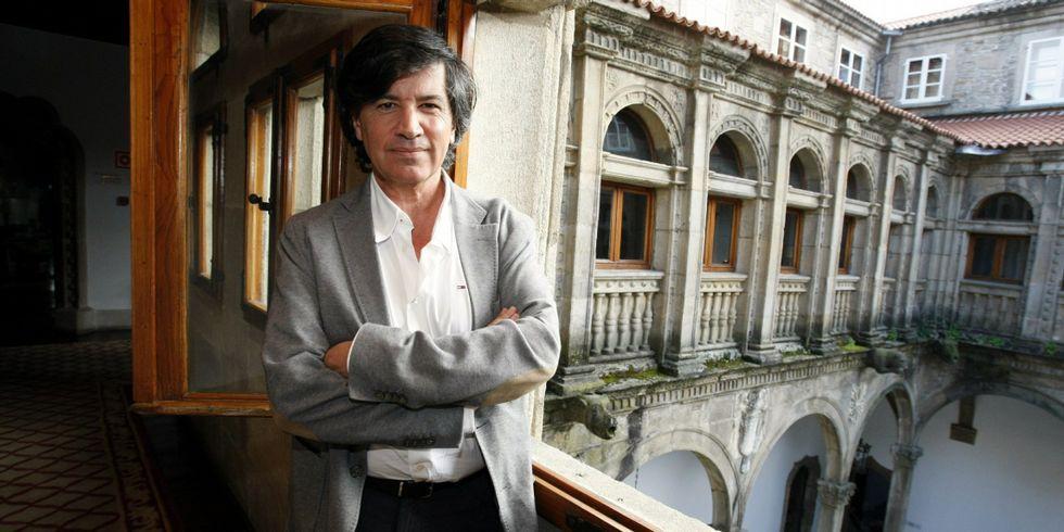 Lalo Azcona, en el Paraninfo de la Universidad de Oviedo.Carlos López Otín, en Compostela