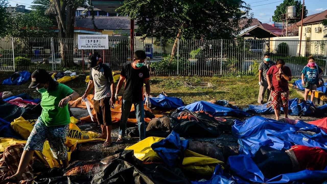 Un dron captura desde el aire la devastación en Indonesia tras el tsunami.Efectos del último terremoto en Indonesia