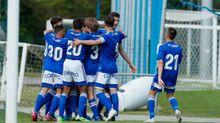 Los jugadores del juvenil A celebran uno de los goles del partido ante el Choco