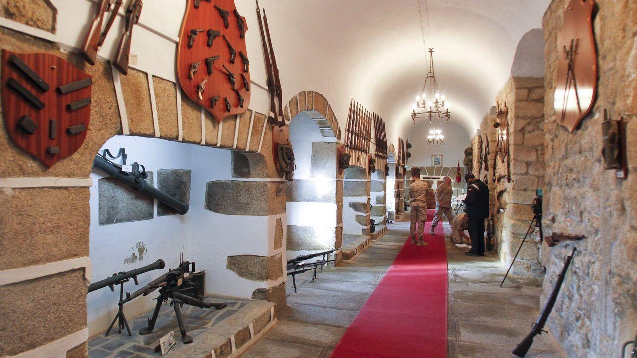 En la sala histórica del cuartel de Dolores de Ferrol.Luis Méndez, director de Proyectos de Astano