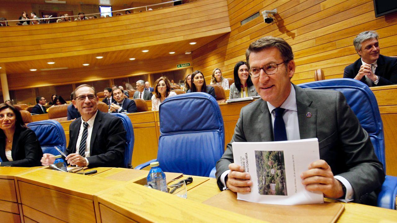 Feijoo ha anunciado también una ayuda de 2.400 euros durante tres años para las familias con Tarxeta Benvida que tengan tres hijos.