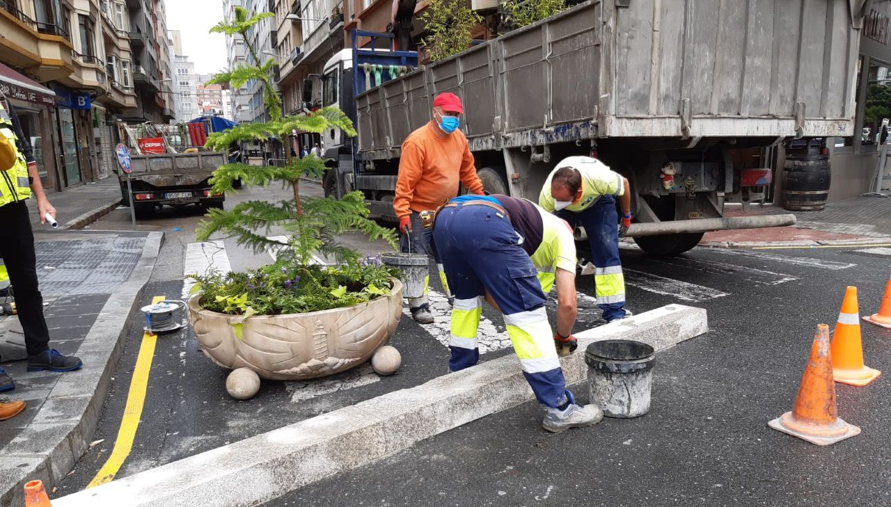 Los obreros prepara la calle Alcalde Marchesi para su peatonalización