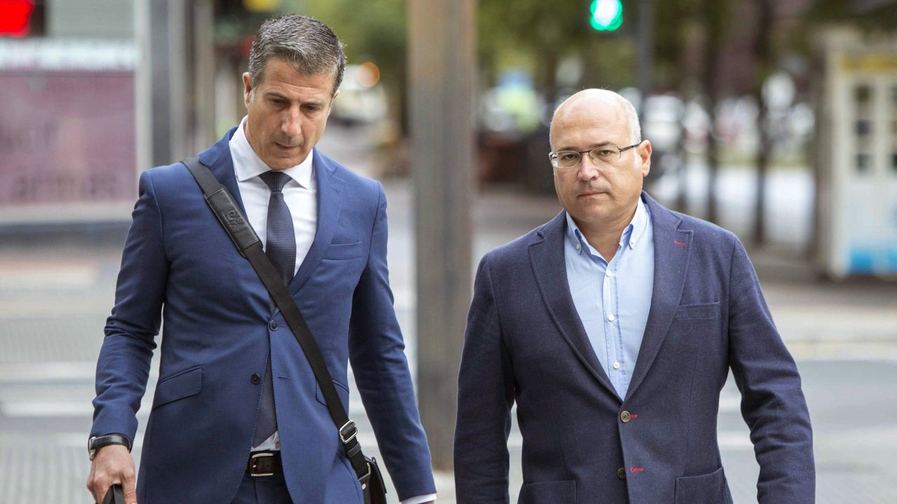 Alfredo de Miguel (derecha), principal acusado en el proceso contra la trama de cobro de comisiones ilegales