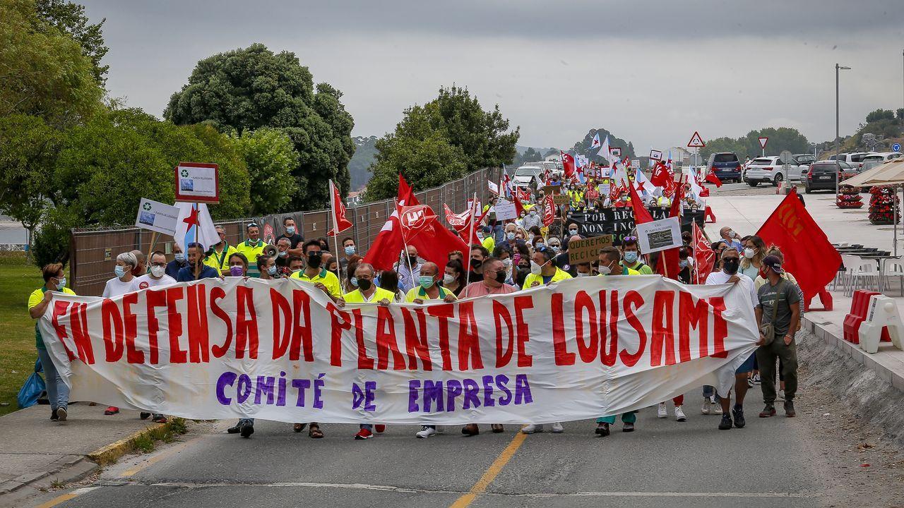 Manifestación de los trabajadores de la planta de Servia en Porto do Son