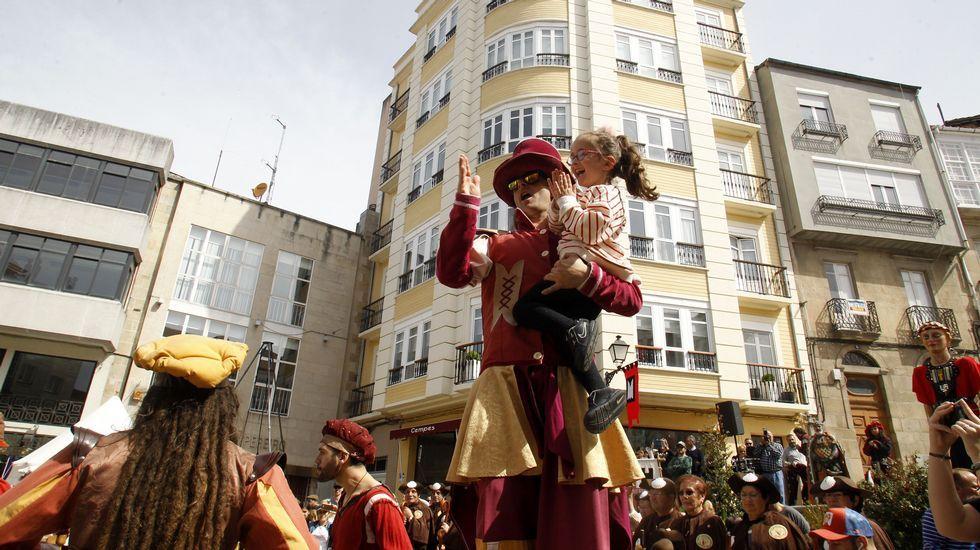 Público de todas las edades disfrutó de las primeras horas de la Feira Medieval de Monforte