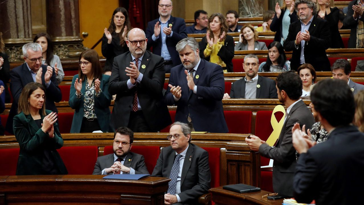 Nueva polémica con el catalán.«Algo se rompió el lunes. No podemos seguir». Eso afirmó ayer el presidente Torra en alusión a ERC después de que viese que los republicanos le retiraron su apoyo incondicional y lo dejaron sin escaño en el Parlamento catalán para no desobedecer a la Justicia.